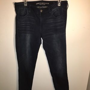 Mid rise American Eagle dark blue skinny jeans